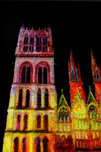 Photo de la Cathédrale de Rouen lors des illuminations inspirées par Monet